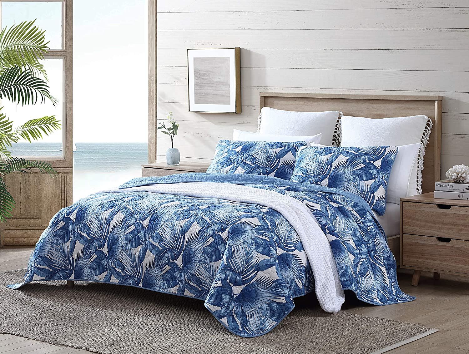 Tommy Bahama | Royal Palm Collection | Quilt Set - 100% Cotton, Reversible, All Season Bedding, Soft & Breathable Fabric with Matching Shams, King, Blue