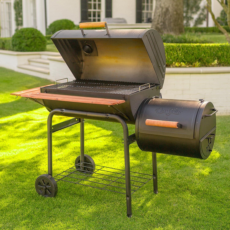 Char-Griller E1224 Smokin Pro 830 on the Backyard