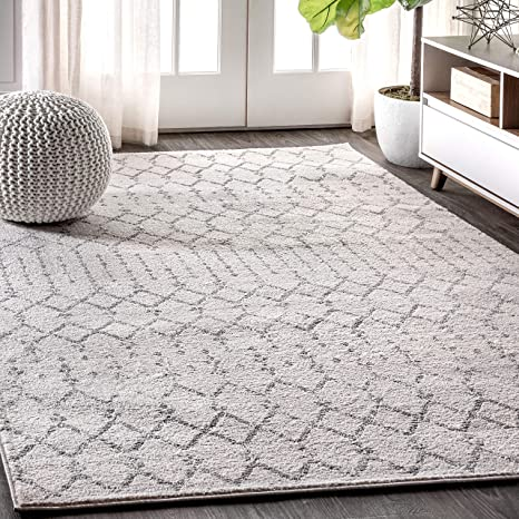 Amazon Com Jonathan Y Moroccan Hype Boho Vintage Diamond Bohemian Easy Cleaning For Bedroom Kitchen Living Room Non Shedding Area Rugs 4 X 6 Cream Gray Furniture Decor
