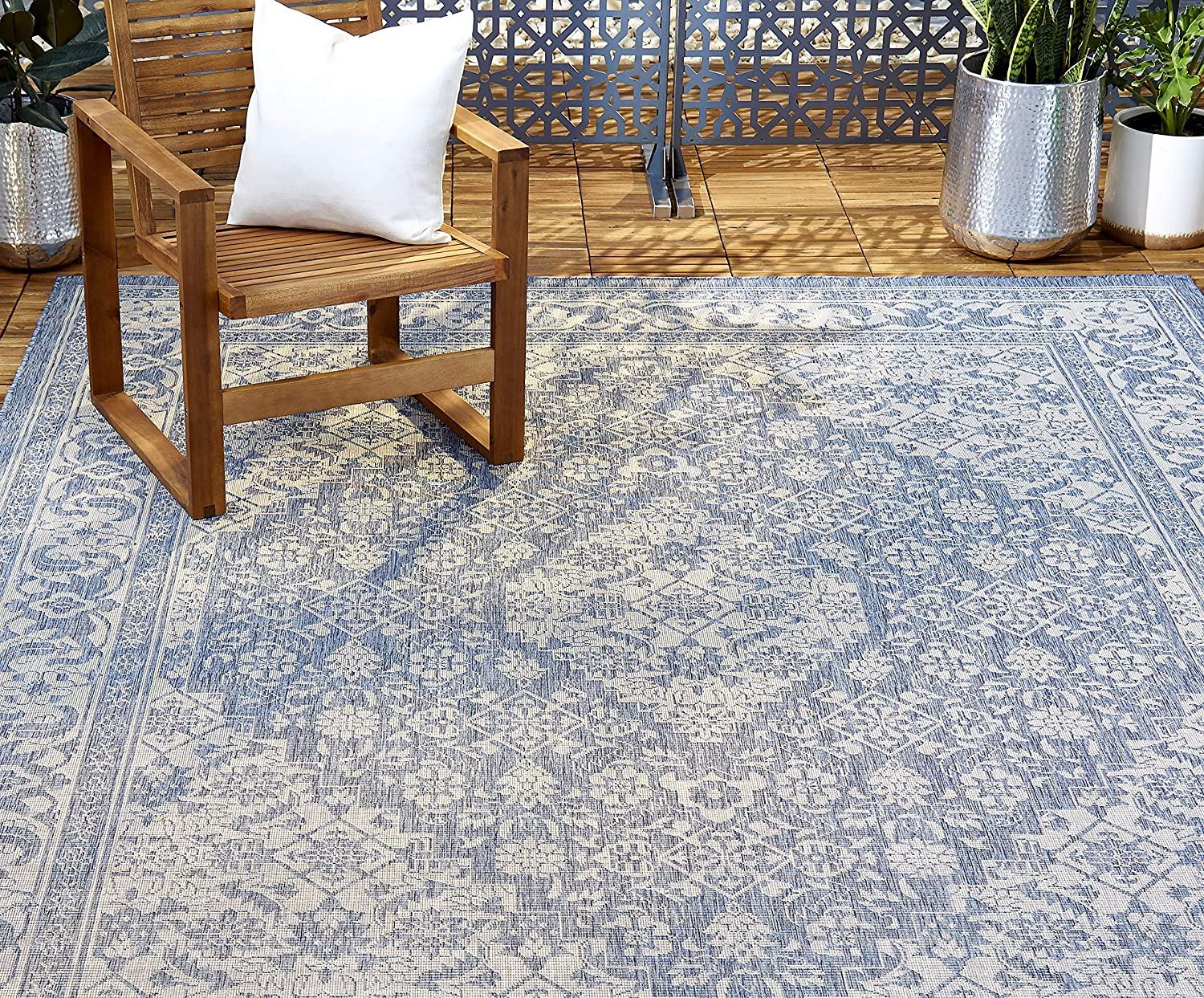 """Home Dynamix Nicole Miller Patio Country Dahlia Indoor/Outdoor Area Rug 7'9""""x10'2"""", Traditional Medallion Blue/Gray"""