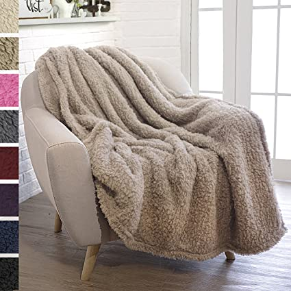 Ordinaire PAVILIA Plush Sherpa Throw Blanket For Couch Sofa | Fluffy Microfiber  Fleece Throw | Soft,