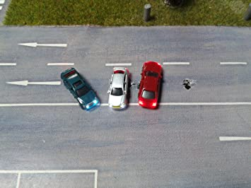 Modelleisenbahn  Spur N 3 x Modell Autos beleuchtet mit LED für Modellbau 1:150