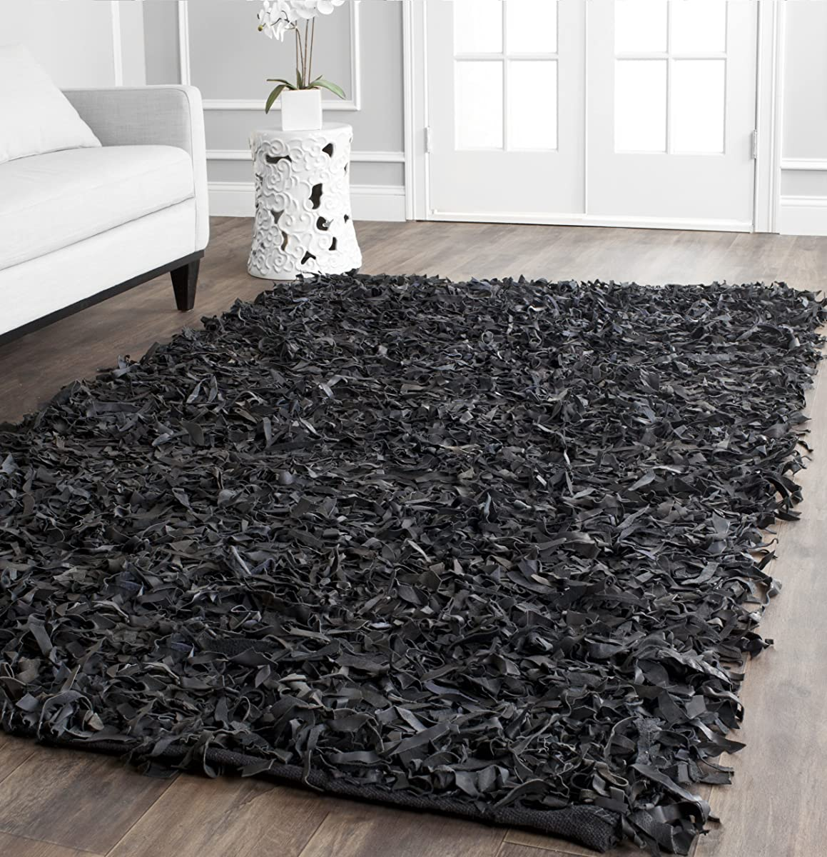 Safavieh Leather Shag Collection LSG511A Handmade Black Leather Area Rug (4 x 6)