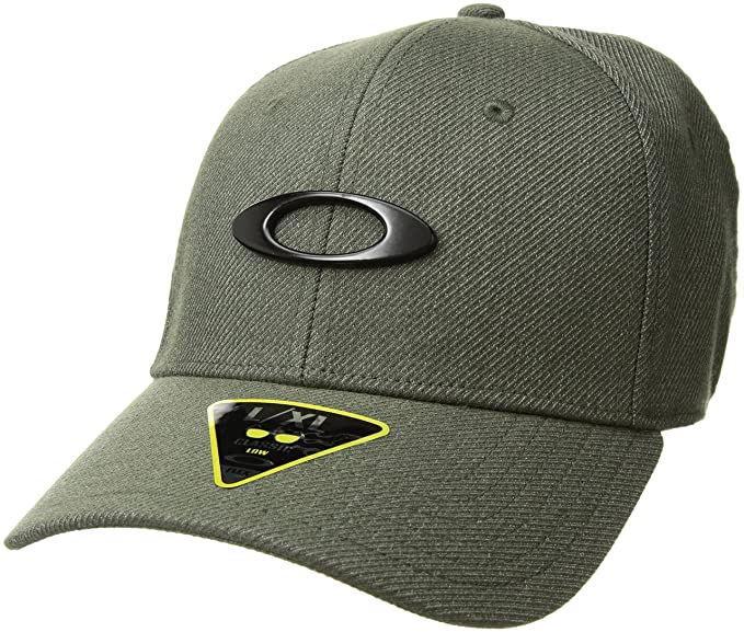 Amazon.com  Oakley Men s Novelty Tin Can Flexfit Hats 00a9bcd12f6a