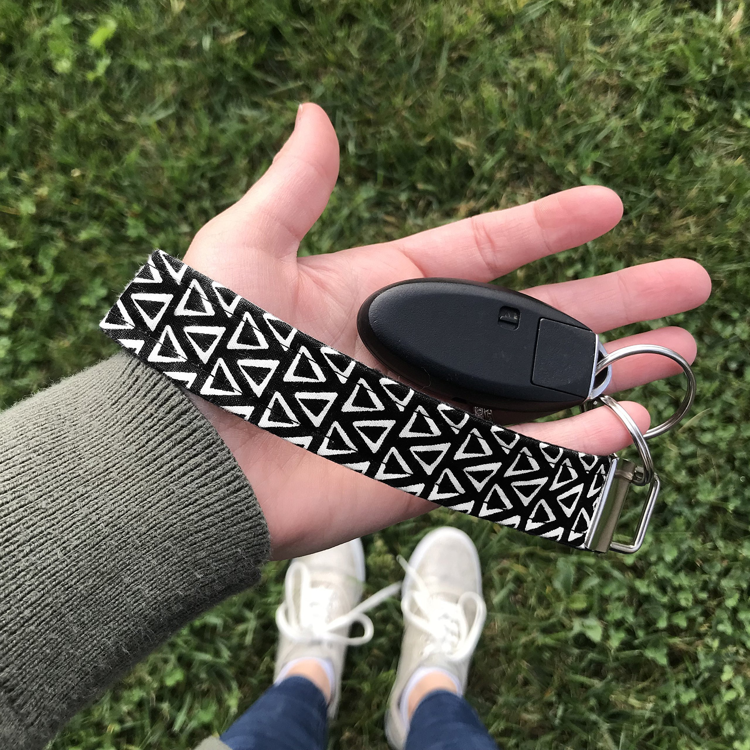 Modern Key Fob Keychain in Black and White Triangles for Keys
