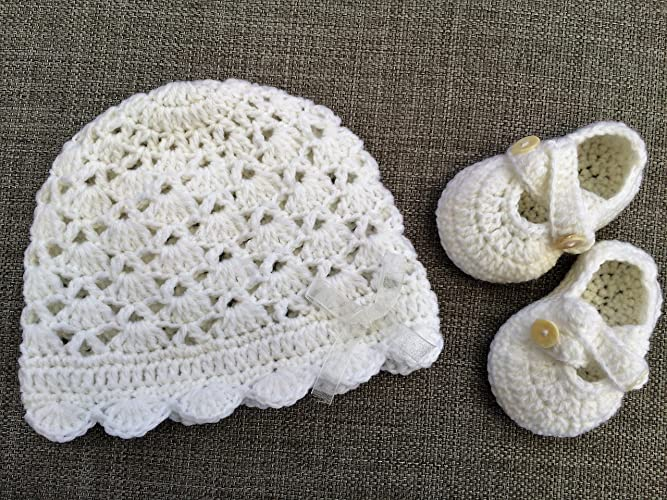 8517f18f1a359 Amazon.com: Baby Christening Hat and and Booties Set.: Handmade