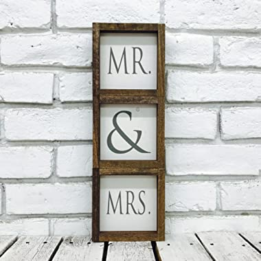 Madi Kay Designs Mr and Mrs Sweetheart Table Wedding Display Farmhouse Home Decor Wood Sign (Set of 3) with 1  Frame