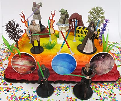 Amazon.com: Classic Star Wars torta de cumpleaños Topper Set ...