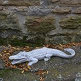 Schönes Krokodil aus Steinguss, frostfest