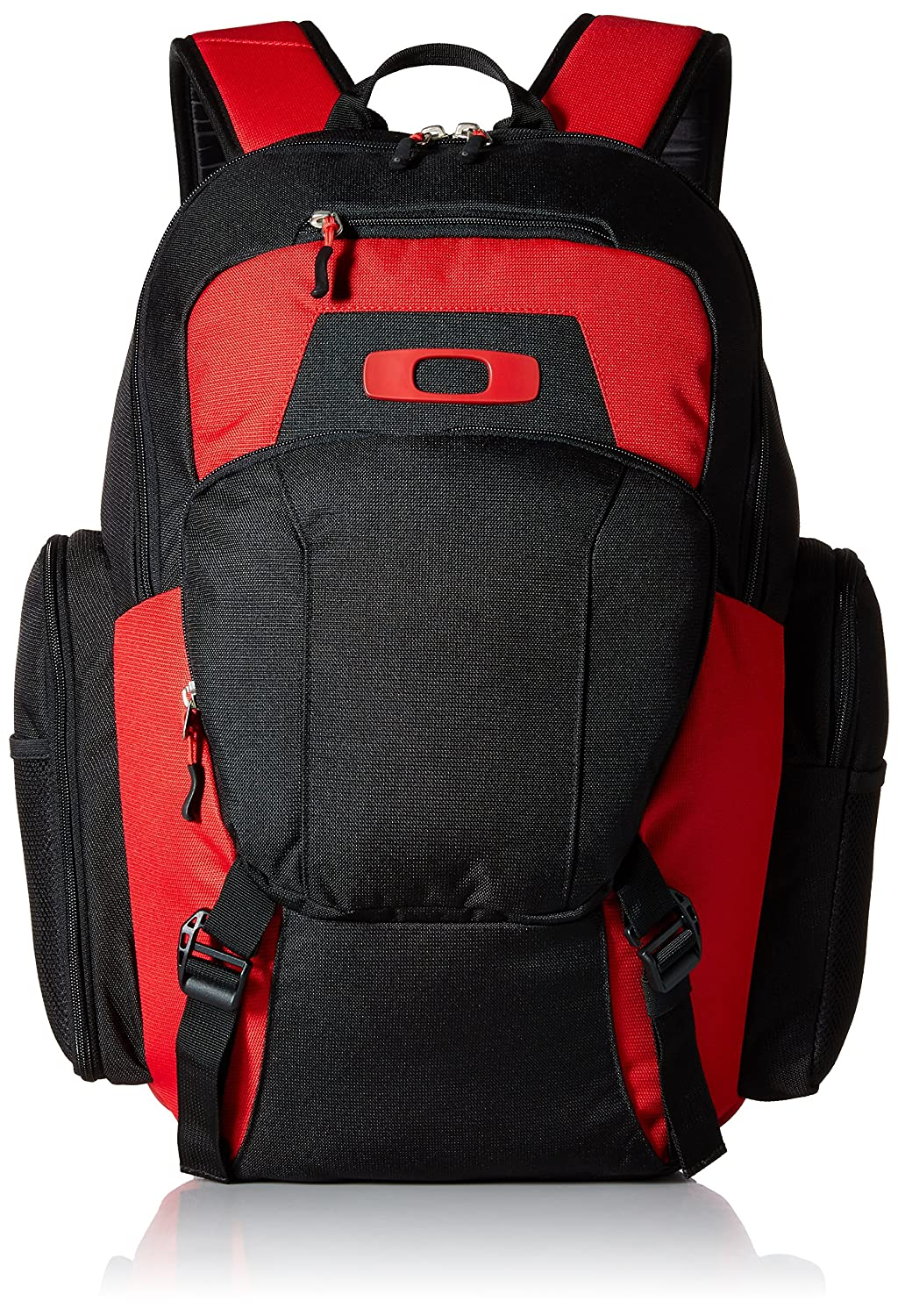 28adfbe68f Amazon.com  Oakley Men s Blade Wet Dry 30 Backpack  Clothing