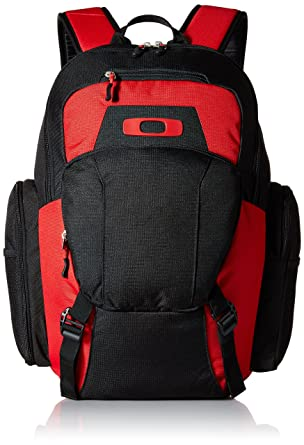8a477b0814 Amazon.com  Oakley Men s Blade Wet Dry 30 Backpack  Clothing