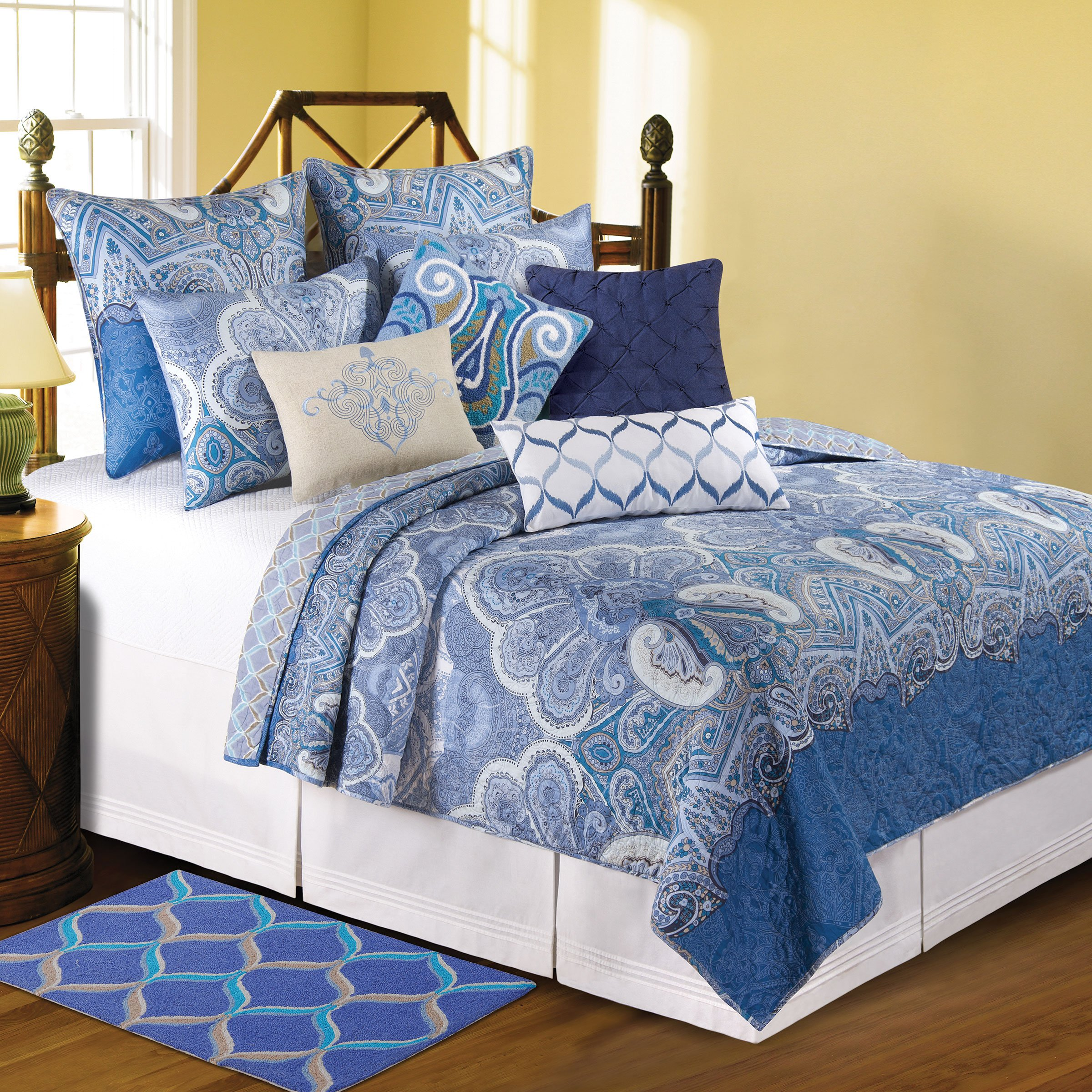 C&F Home Daphne Quilt, Full/Queen, Blue/White by C&F Home