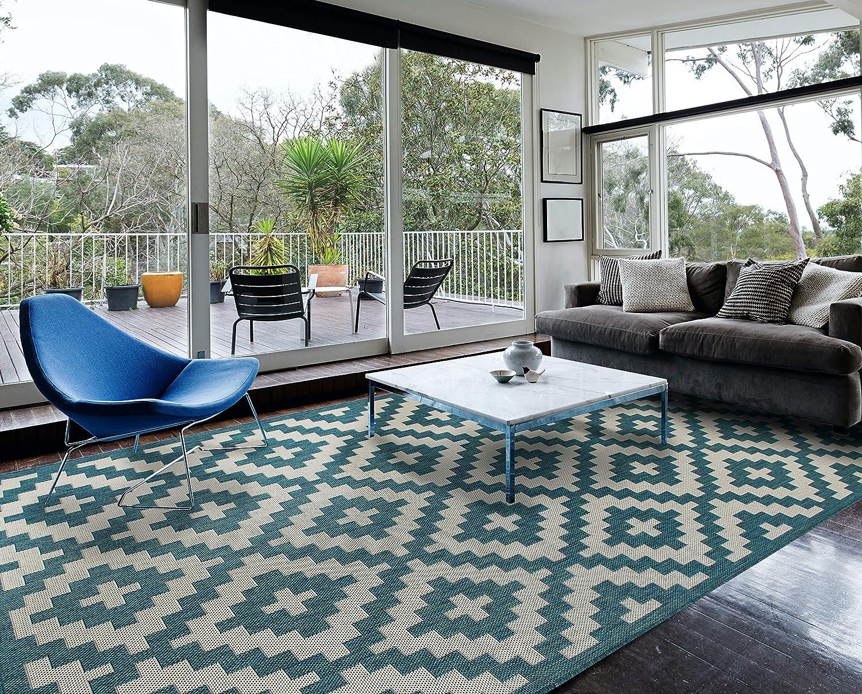 Amazon Com Homegnome Indoor Outdoor Moroccan Trellis Rug 8 X10 Ocean Blue Neutral Kitchen Dining