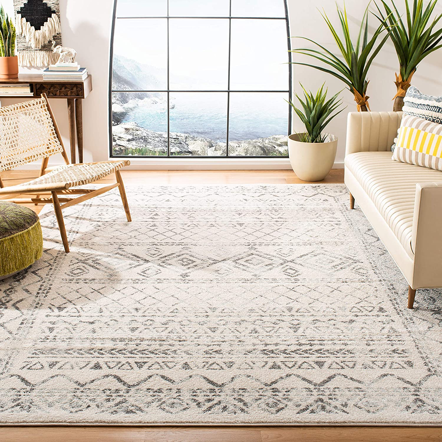 Amazon Com Safavieh Tulum Collection Tul268a Moroccan Boho Distressed Non Shedding Stain Resistant Living Room Bedroom Area Rug 9 X 12 Ivory Grey Furniture Decor