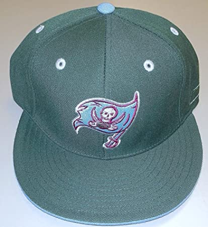 062876b1b Image Unavailable. Image not available for. Color  Tampa BAY Buccaneers  Kolors Basics 10 1 Launch Fitted Flat Bill Reebok Hat - Size