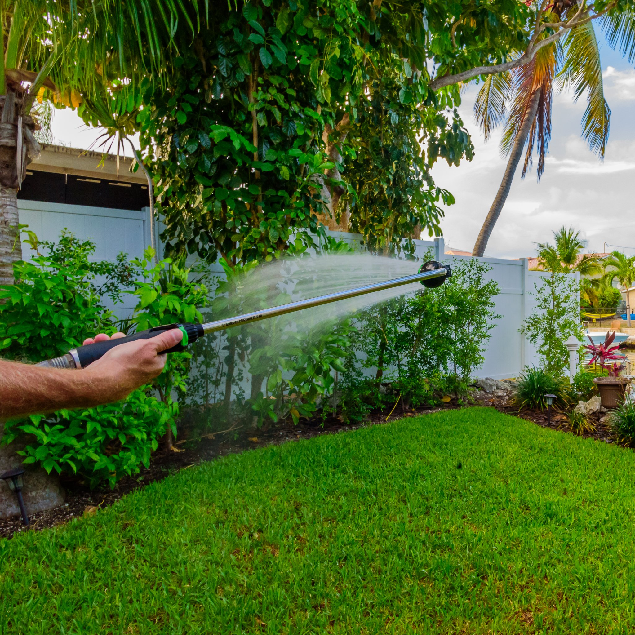 Garden Spray Watering Wand for Hose with 7 Nozzle Patterns and Easy Shut Off Valve for Lawns, Gardens, Baskets, Flowers, Shrubs, and More, 33 Inch Long Handle, by Garden Products USA by Garden Products USA (Image #6)