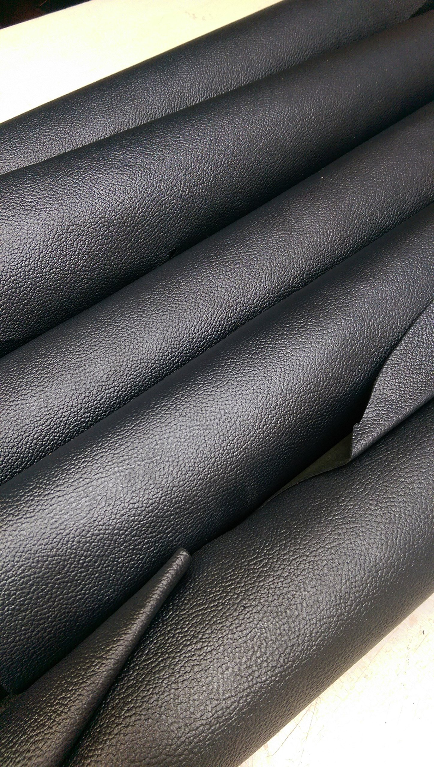 NAT Leathers Black Pearlized Dark Gray Embossed Pebblegrain 13-18 sq.ft (28 '' x 50'' ) 3 Oz Semi Firm Upholstery Craft Cowhide Genuine Leather Hide Skin 13 to 18 Square Feet (13-18 sq.ft.)