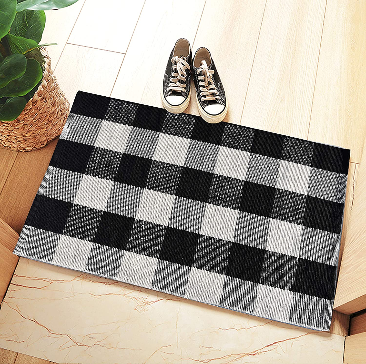 "Ecoshome Cotton Bath Runner Checkered Plaid Area Rug Door Mat for Entry Way Washable Carpet for Kitchen (24"" x 35"", Black and White)"