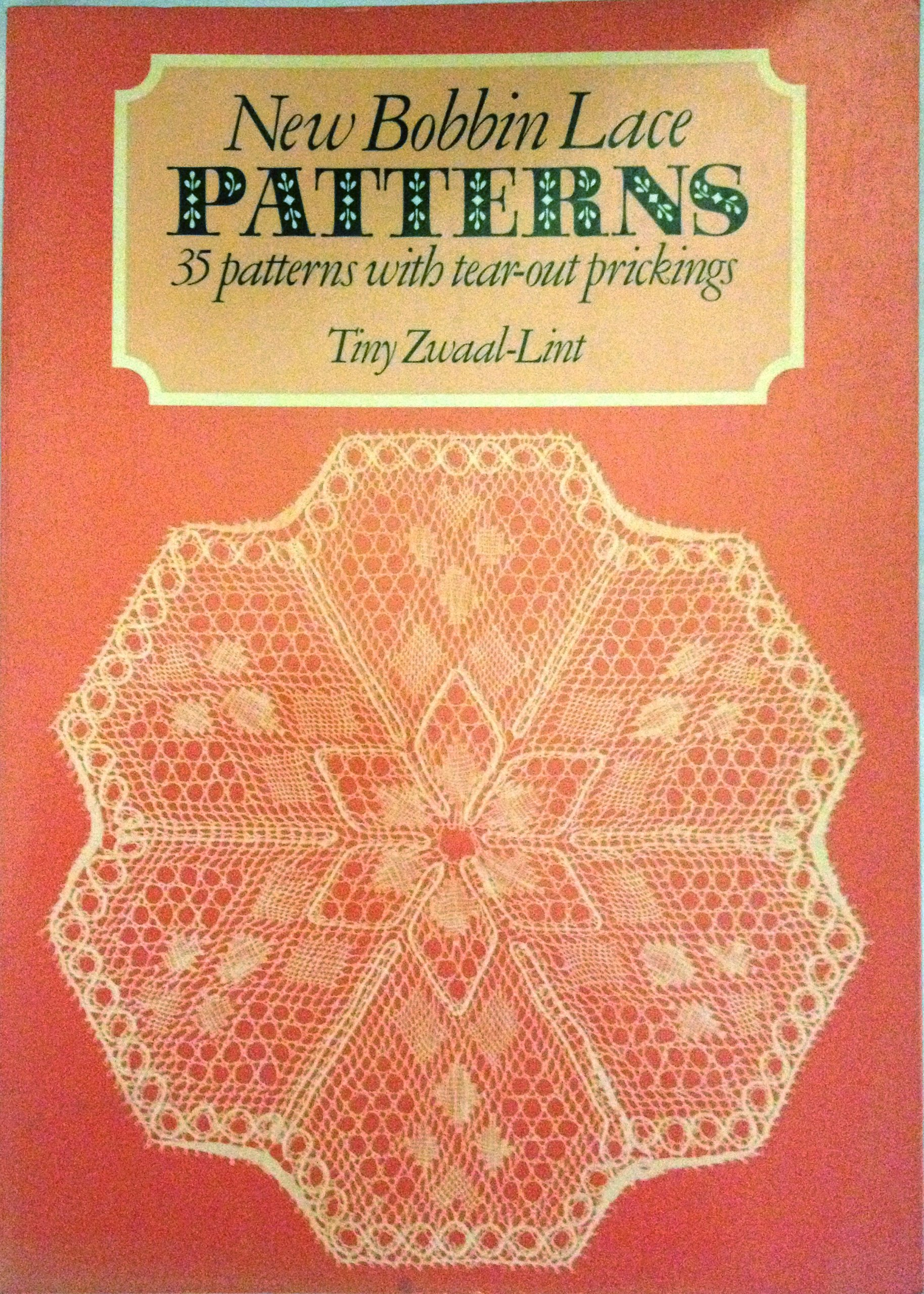 New Bobbin Lace Patterns: 35 Patterns with Tear-out Prickings (Englisch)  Taschenbuch – 1. Mai 1985
