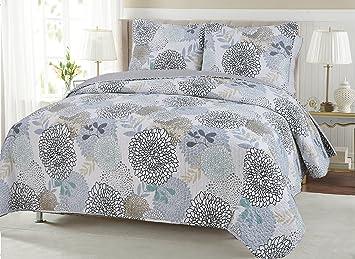 Amazon.com: Carolina Floral Quilt Set - Garden Blooms of Blue Gray ... : blue gray quilt - Adamdwight.com