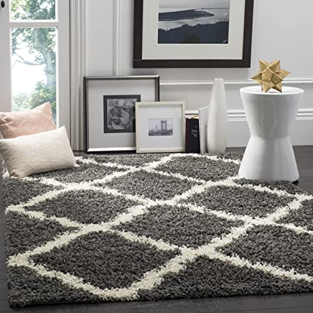 Safavieh Dallas Shag Collection Sgd257 A Dark Grey And Ivory Area Rug (4' X 6') by Safavieh