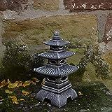 Massive pietra giapponese lanterna di colore pagoda antico getto Oki Gata pietra frostfest
