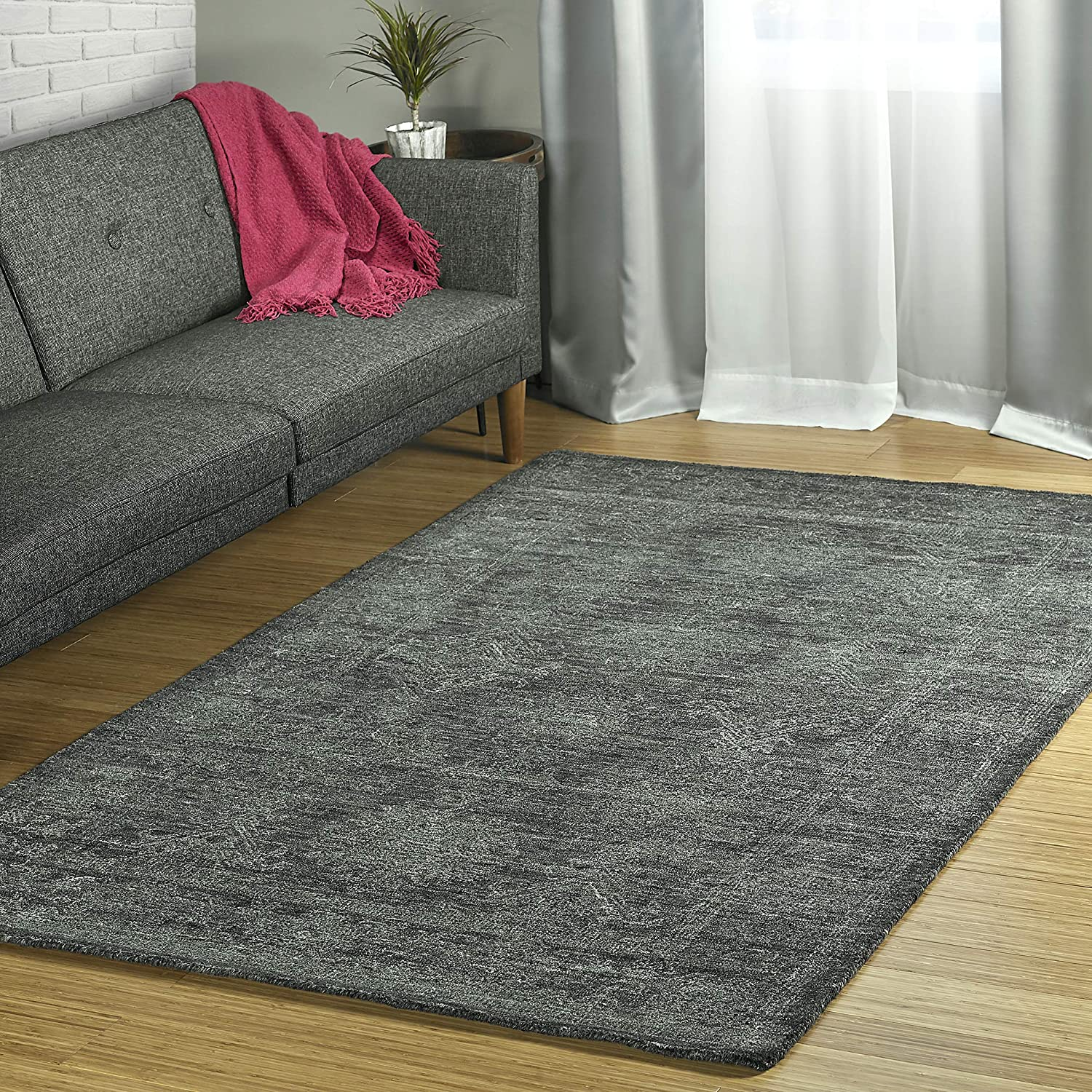 Amazon Com Kaleen 5 X 7 9 Wool Area Rug In Charcoal Hand Tufted Palladian Collection Furniture Decor
