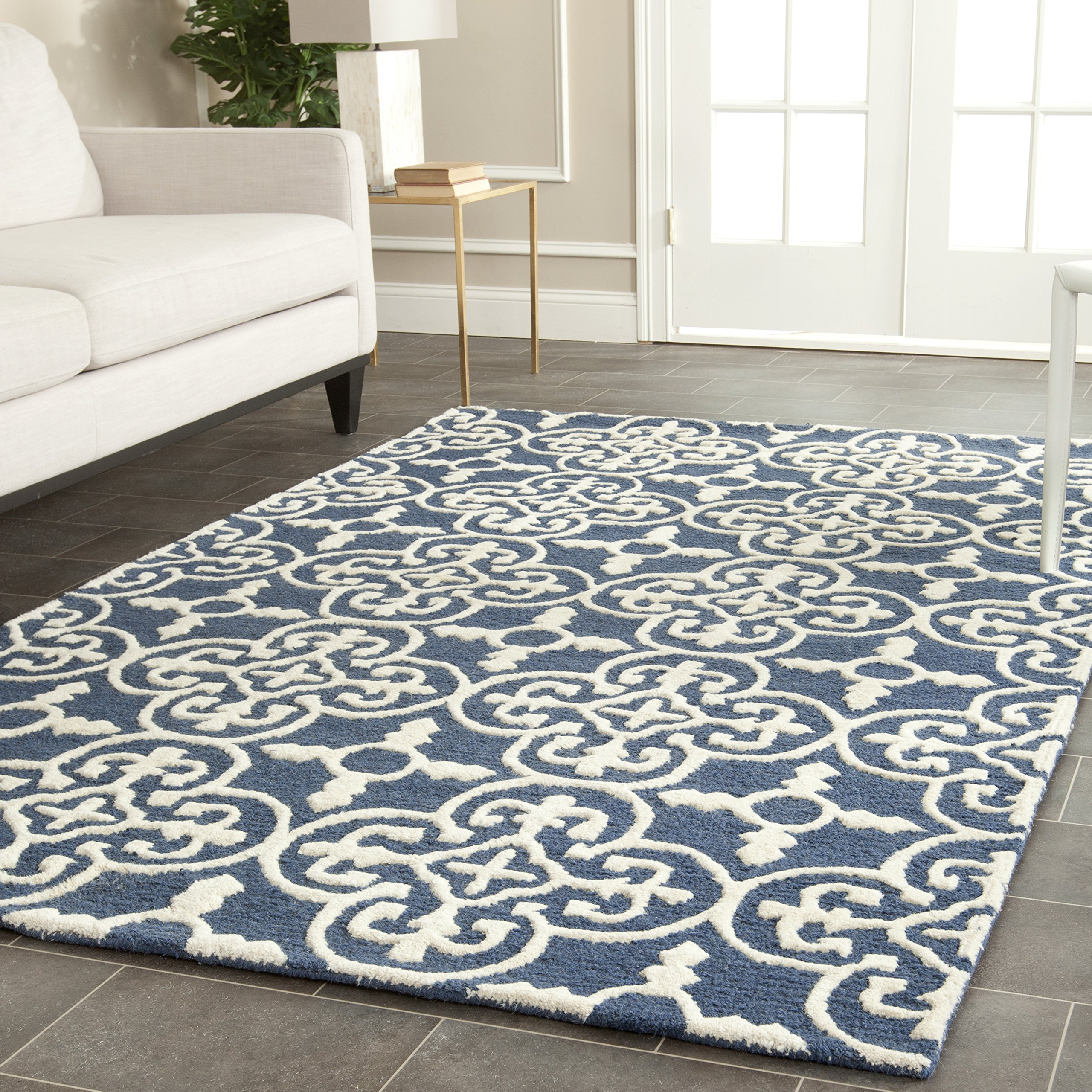 Safavieh Cambridge Collection CAM133G Handcrafted Moroccan Geometric Navy and Ivory Premium Wool Area Rug (4' x 6')