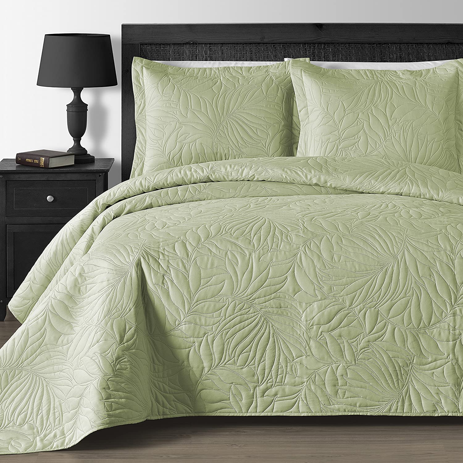 Comfy Bedding Extra Lightweight and Oversized Thermal Pressing Leafage 3-piece Coverlet Set