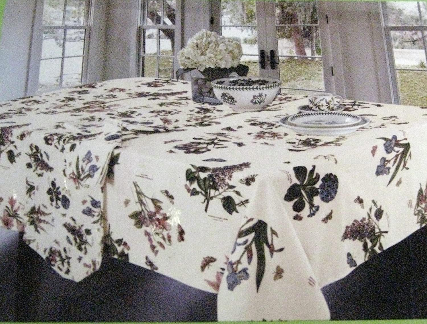 Portmeiron Botanic Garden by Avanti Tablecloths-Assorted Sizes-Oblong/Oval and Round (70 Round)