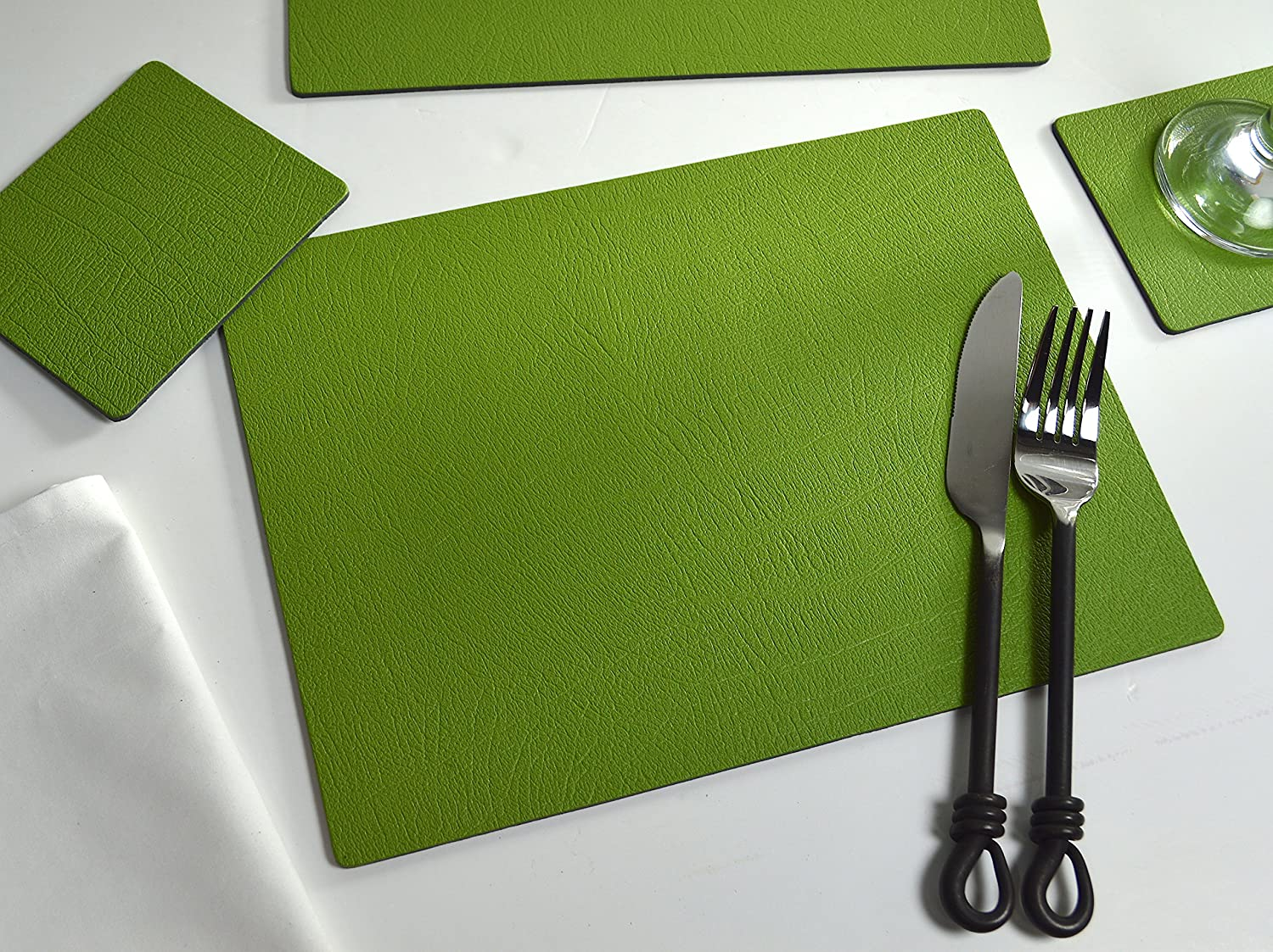 Giftag Set Of 6 Sage Green Bonded Leather Placemats And 6 Coasters Made In Uk 12 Piece Amazon Co Uk Kitchen Home