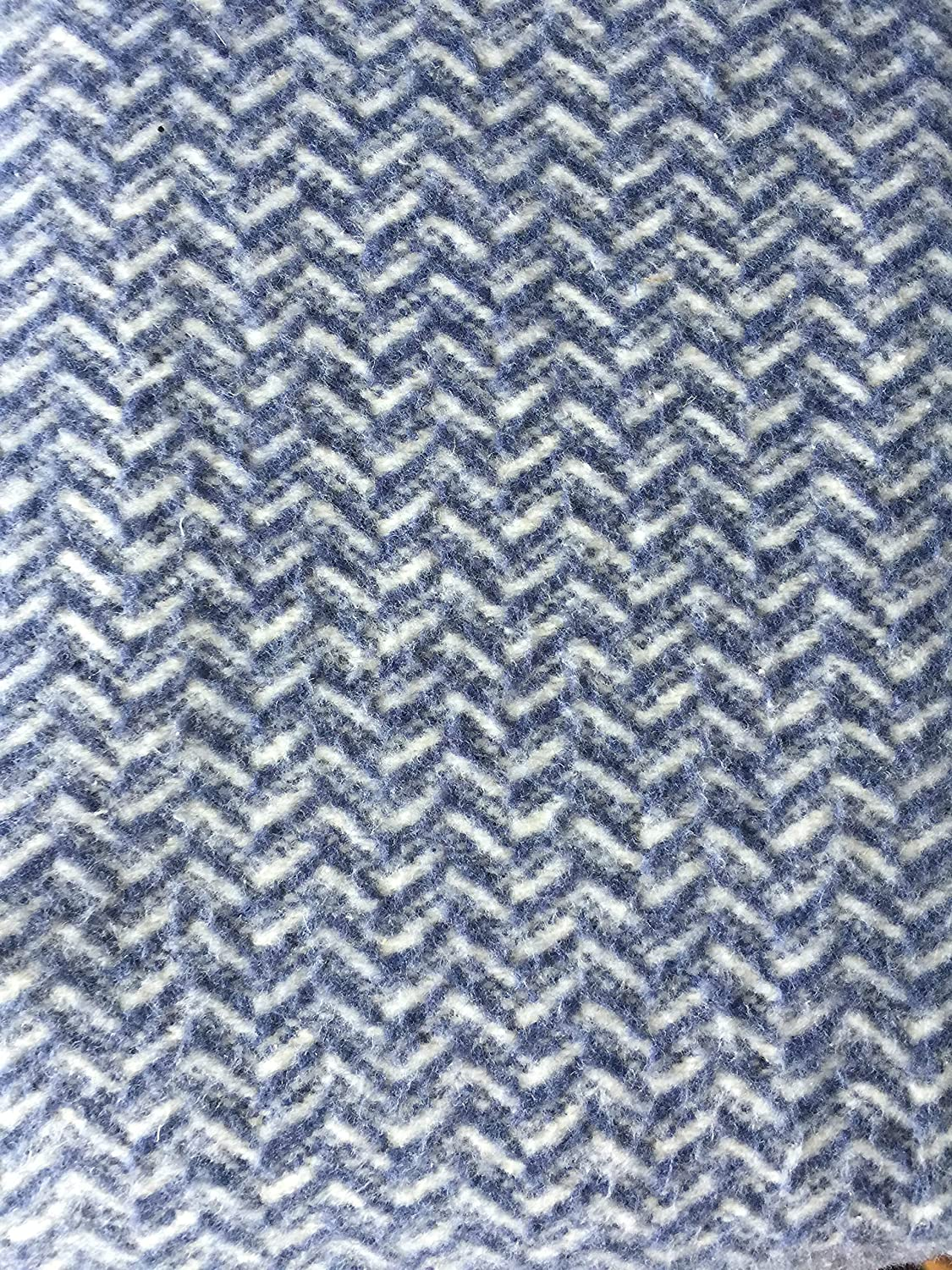 Roca Home Bed Blanket Herringbone Pattern in Shades of White with Darker Blue Herringbone Stripes and Smooth Sewn Edge Made in Portugal (Queen)