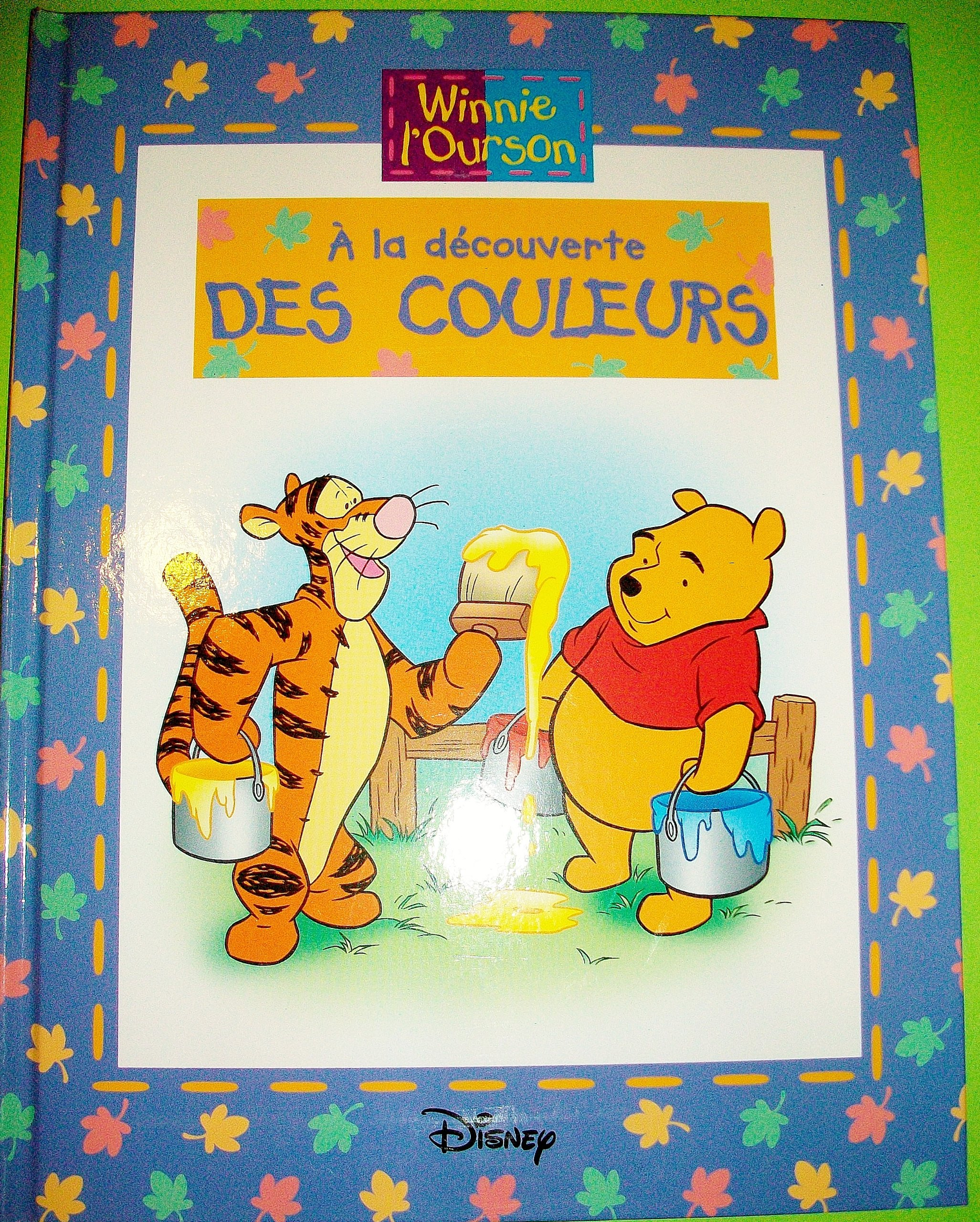 Amazon Fr Winnie L Ourson A La Decouverte Des Couleurs