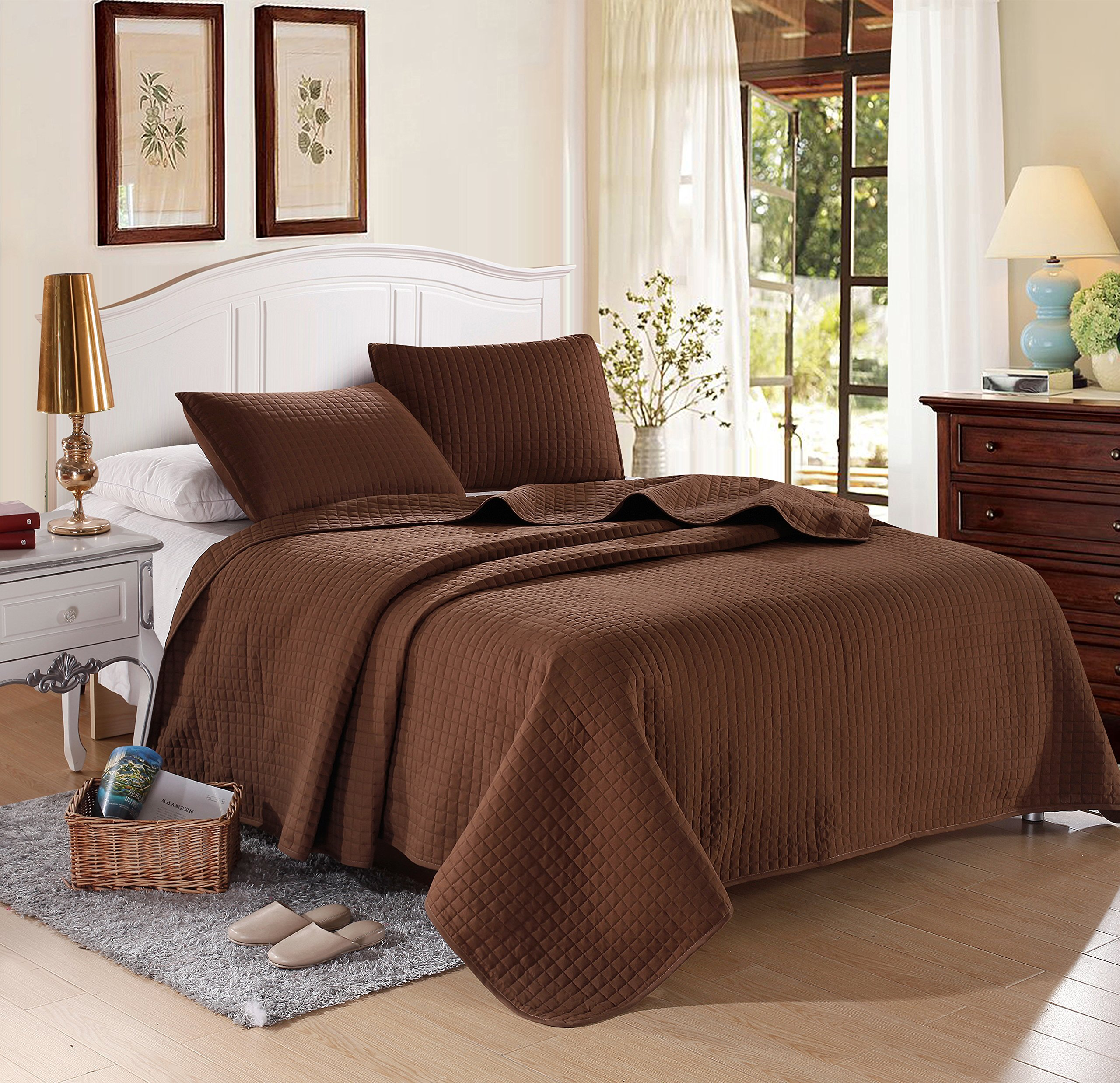Chocolate Solid Color Quilt 90''L-102''W, 2 Shams 20''L-36''W . Hypoallergenic, Finely Stitched, All Season, Coverlet Bed-cover, Washable Durable.