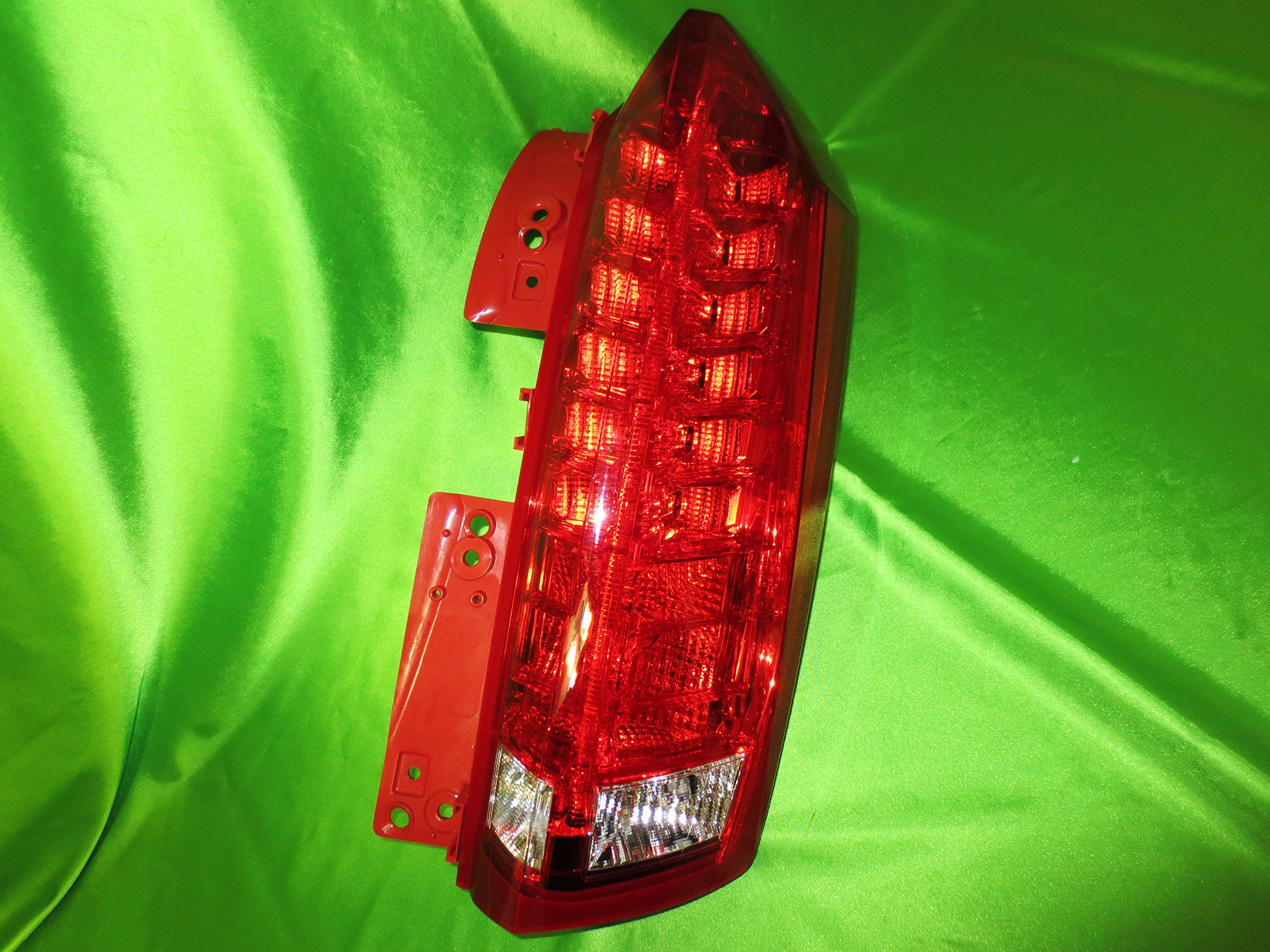 Genuine GM 22774015 Tail Lamp, Rear, Right