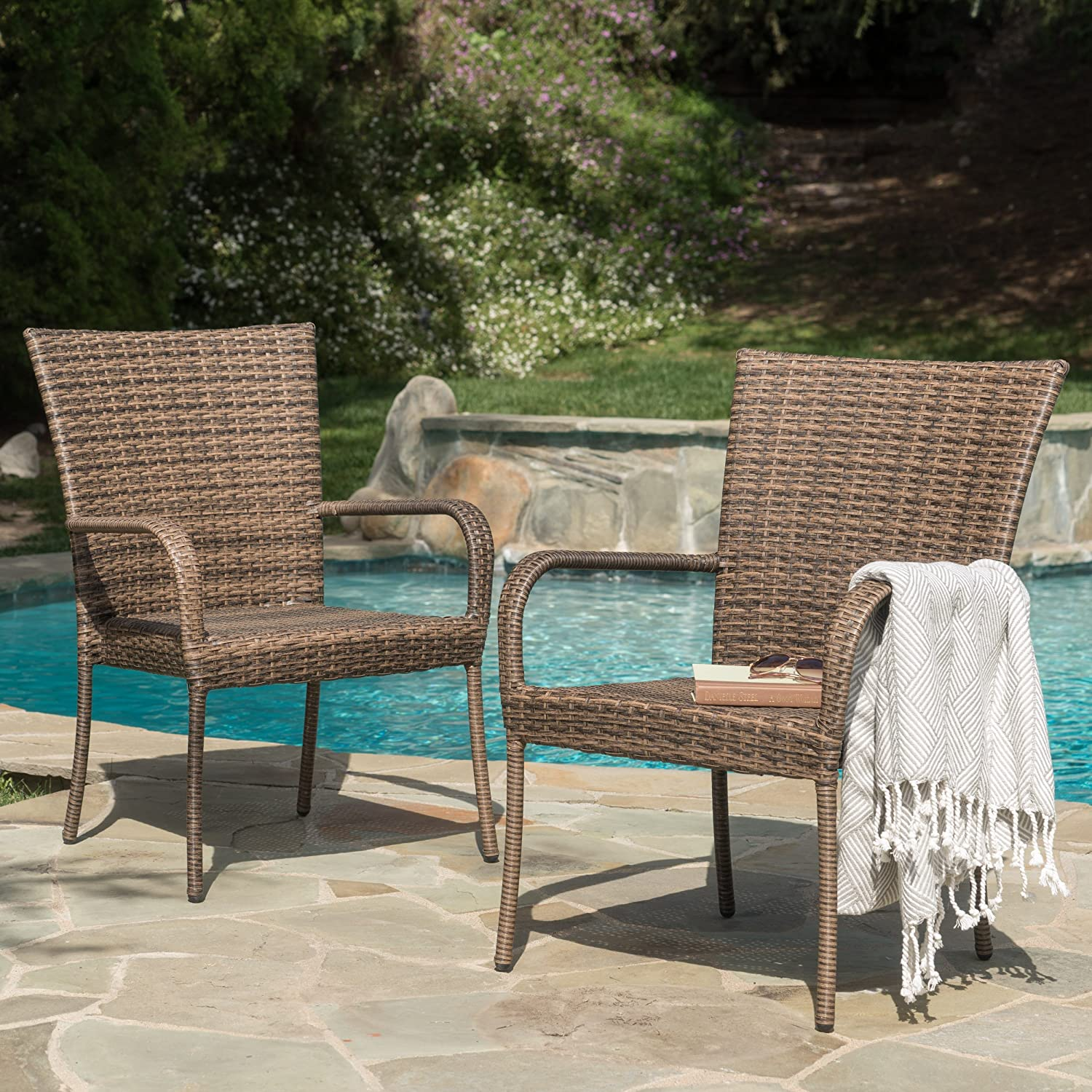 Amazon com chrystie wicker stackable outdoor club chairs set of 2 perfect for patio in mixed mocha garden outdoor