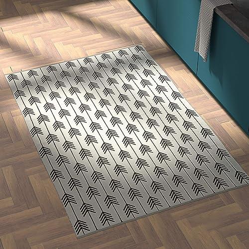 Rivet Arrow Wool Area Rug, 4 x 6 Foot, Black Ivory