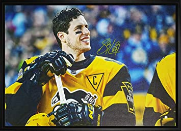 new style 4a3ee 3c6e6 Sidney Crosby - Signed & Framed 20x29 2017 Stadium Series ...
