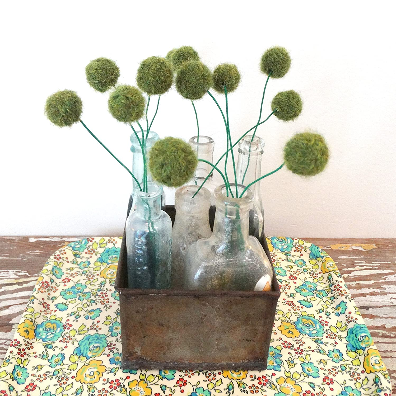Pantone Greenery Moss Green Felt ball. Peridot Green pom pom flowers Alpaca Yarn flowers Small floral bouquet Felt flower bouquet