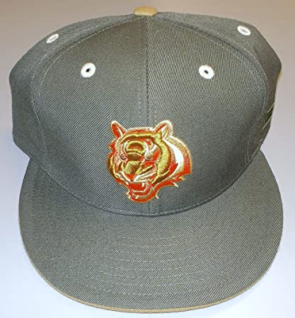 Image Unavailable. Image not available for. Color  Cincinnati Bengals  Kolors Basic 12 1 Launch Fitted Hat By Reebok Size 7 ... ddff873c6b88