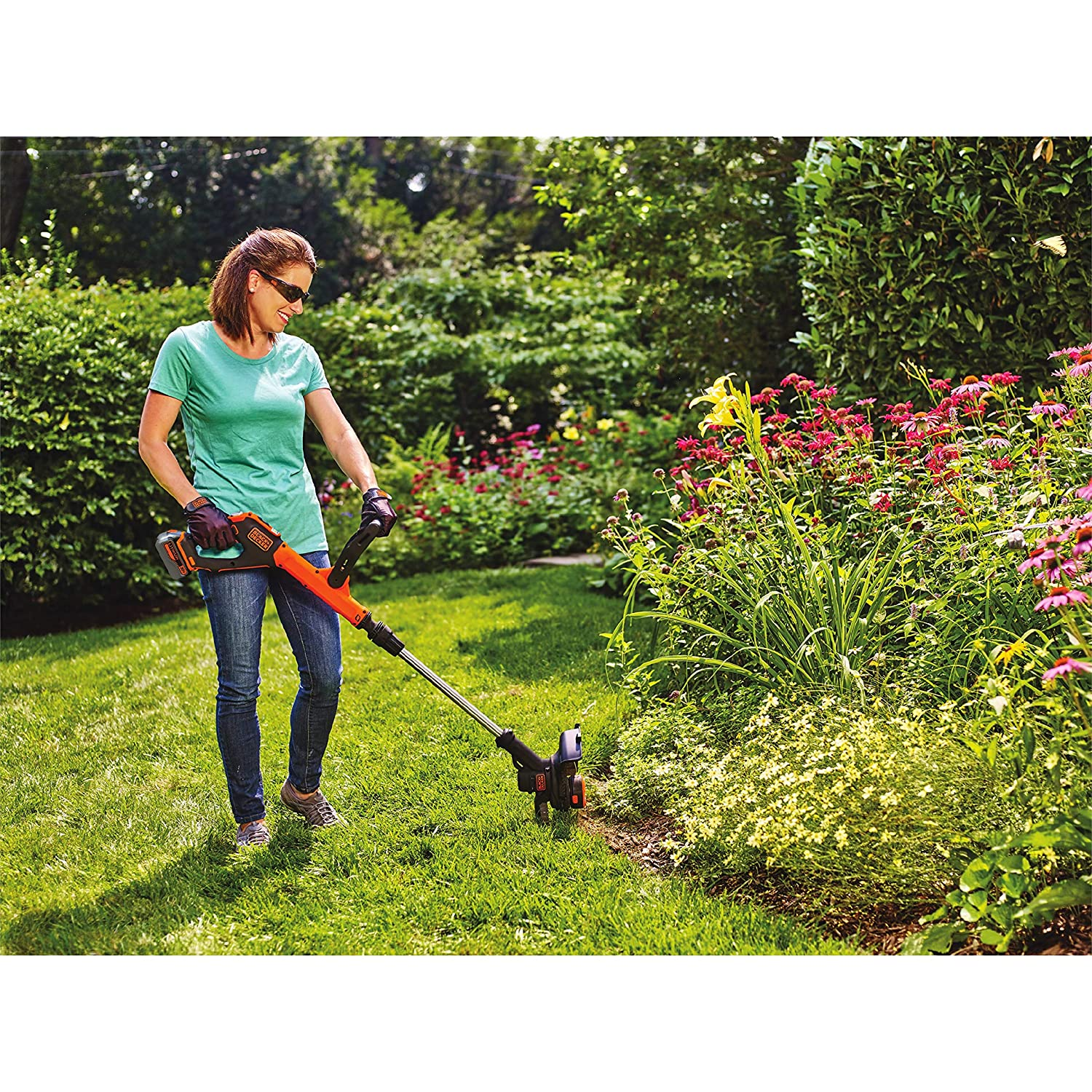 BLACK + DECKER LSTE523 20V Max Lithium POWERCOMMAND Easy Feed String Trimmer/Edger