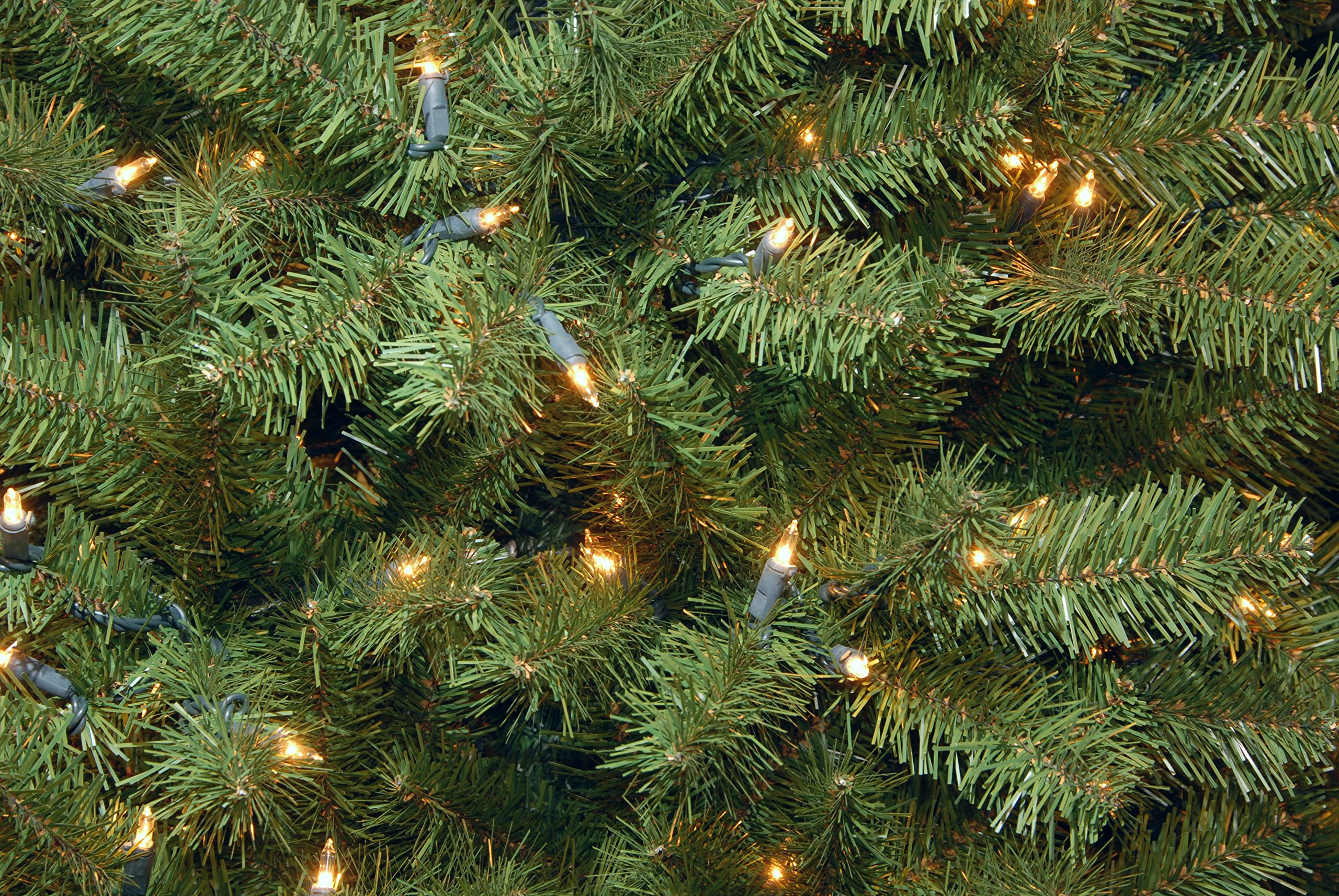 National Tree 7.5 Foot North Valley Spruce Tree with 550 Clear Lights, Hinged (NRV7-300-75) by National Tree Company (Image #4)