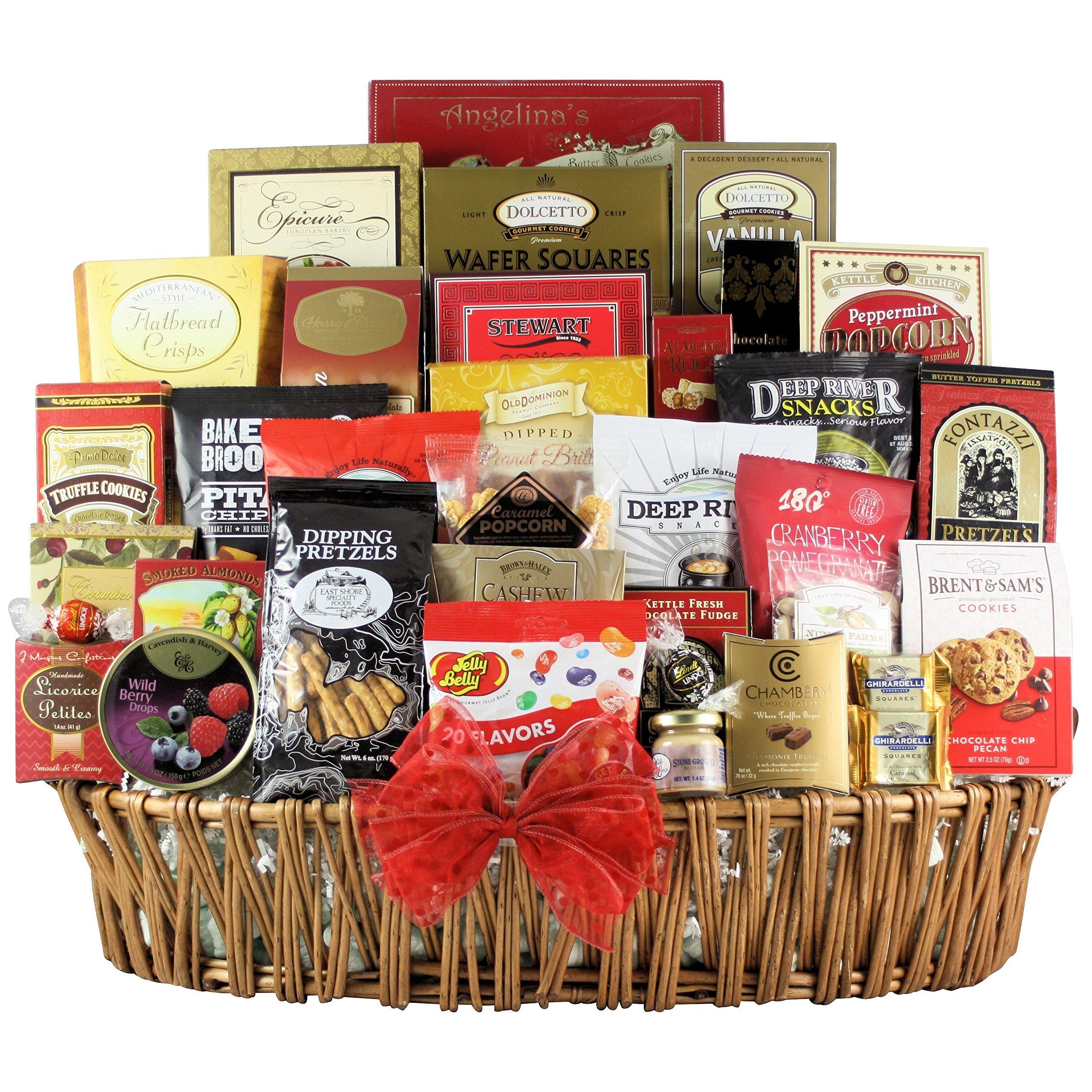 GreatArrivals Gift Baskets Magnificent Munchies Gourmet Snack Basket, 13 Pound