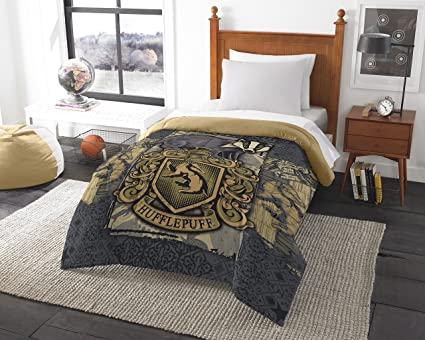 """Warner Brothers Harry Potter, """"Magic House Hufflepuff"""" Twin/Full Comforter, 72"""" X 86"""", Multi Color by Warner Brothers"""