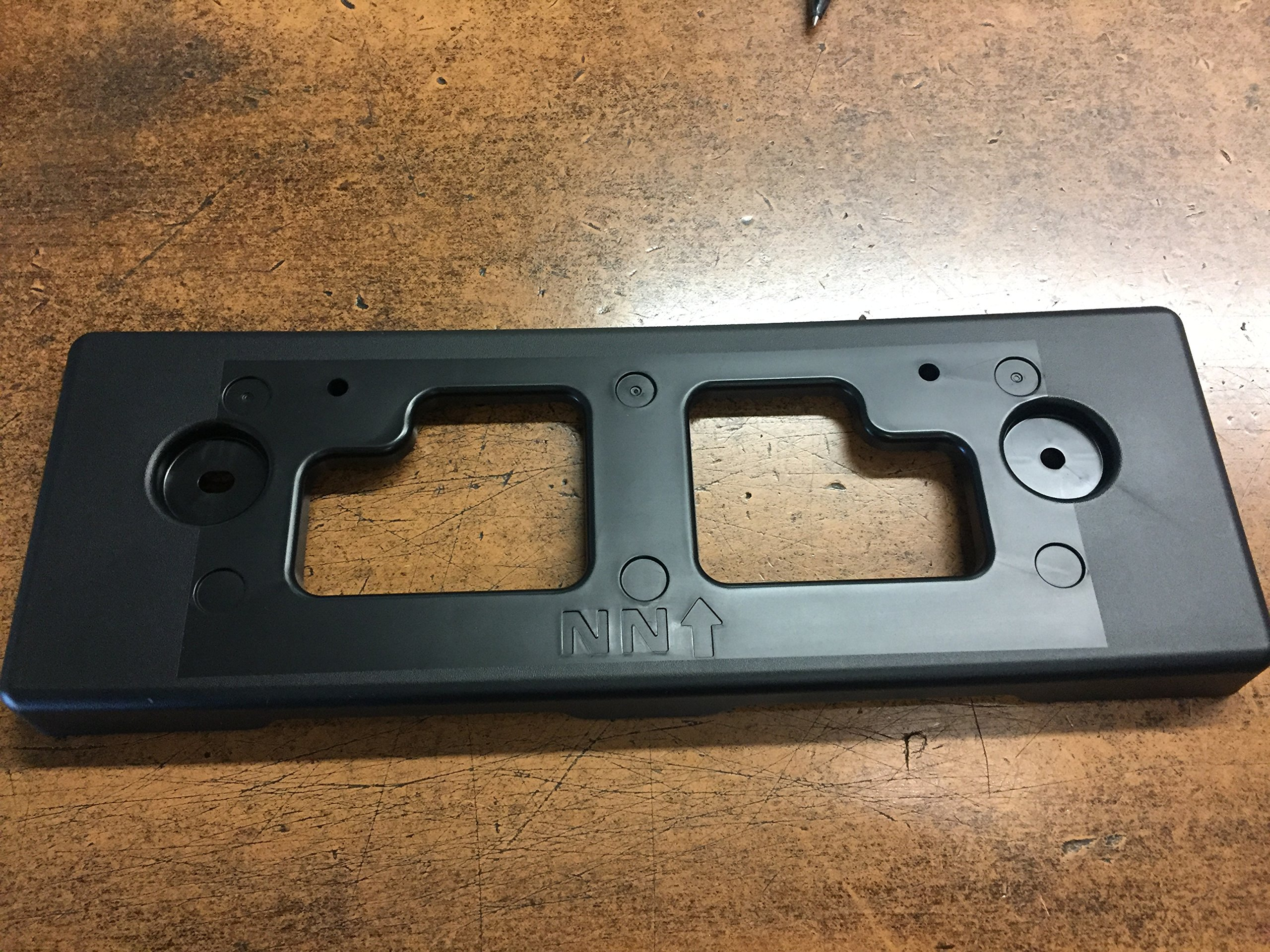 NEW OEM NISSAN PATHFINDER 2017-2018 FRONT LICENSE PLATE BRACKET