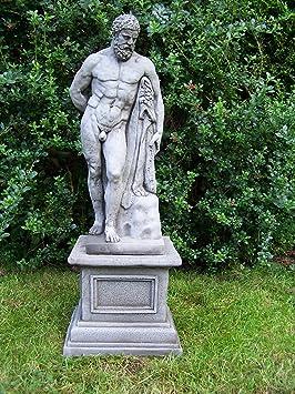 estatua grande para de hueacute