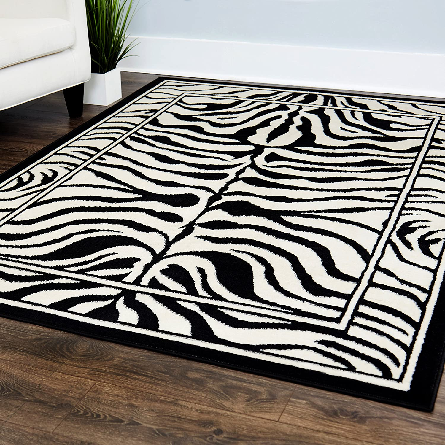 "Home Dynamix Zone Sabra Area Rug 21""x35"", Graphic/Print Black"