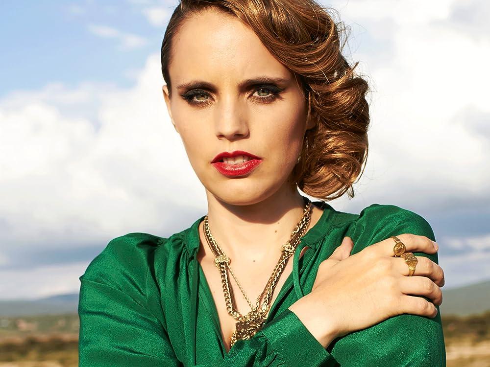 Anna Calvi On Amazon Music