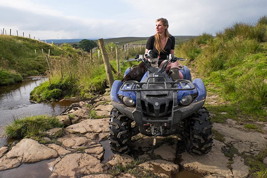 Spring Forward Back To Winter In Owen >> The Yorkshire Shepherdess Amazon Co Uk Amanda Owen 9781447251781