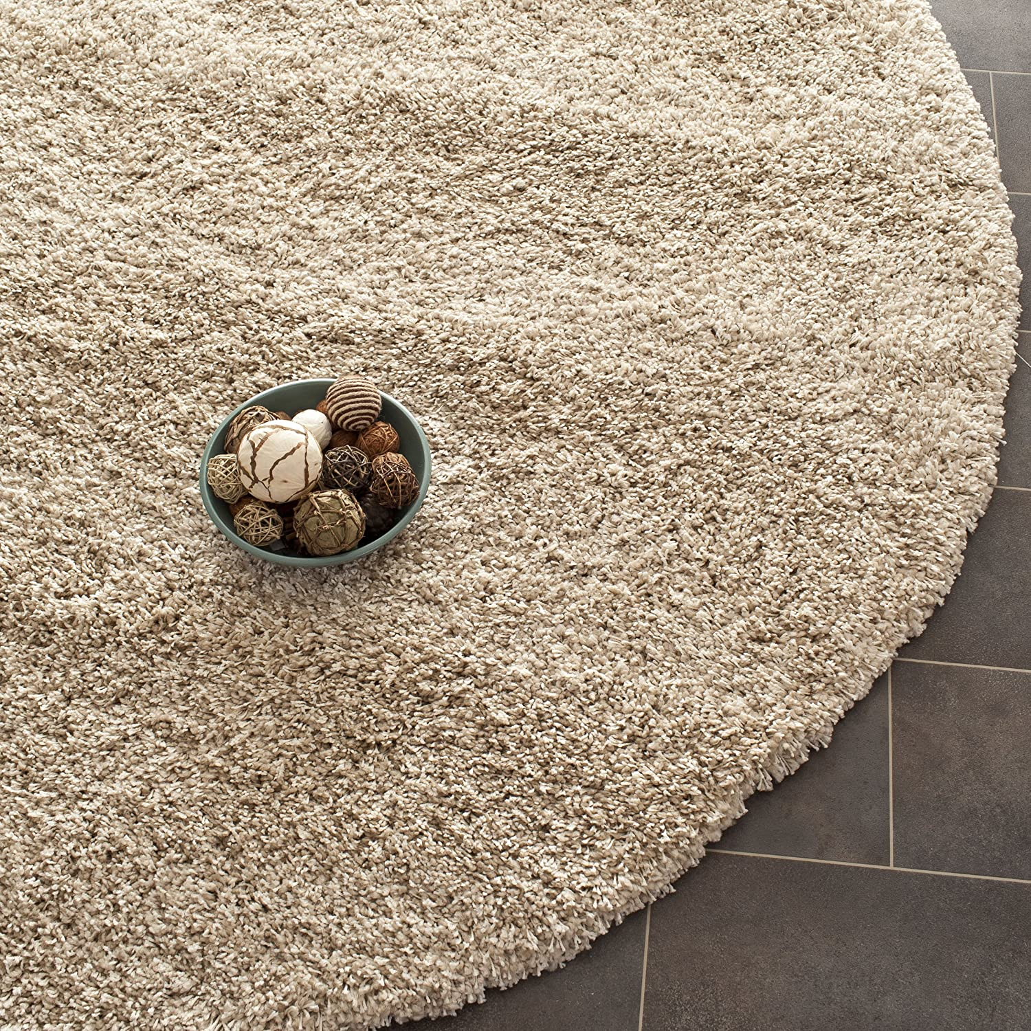 amazoncom safavieh california shag collection 67 diameter area rug beige home improvement california shag black 4 ft